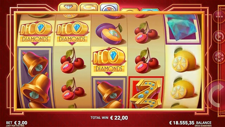 Microgaming's New Deco Diamonds Slot Hits Online Casinos Today