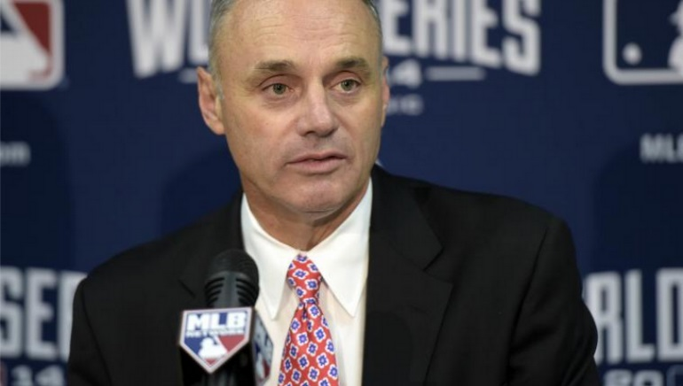 MLB Commissioner Open to Sports Betting Regulation