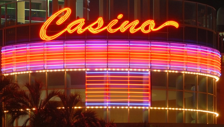 Special Offers and Rewards This November at Vegas Crest Casino