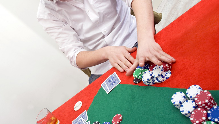 Obama, Clinton: What about Poker?