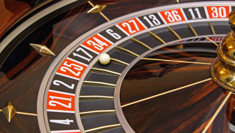 online casino real money royal roulette