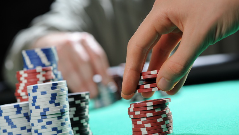 Poker Software Helps Online Casino Players